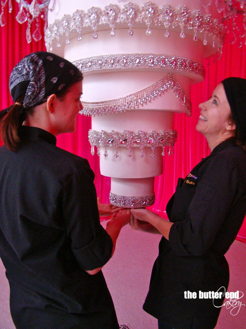 kaley cuoco wedding cake blessed events fashioned by adrianne 16616