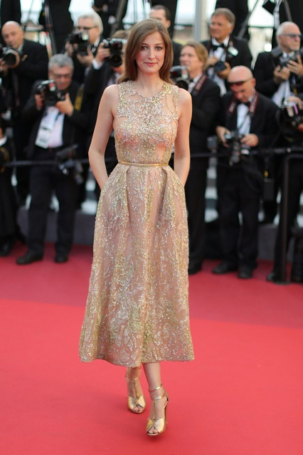 alexandra-maria-lara-at-elle-premiere-at-69th-annual-cannes-film-festival-05-21-2016_1