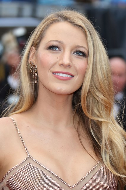 blake-lively-beauty-cannes-12may16-getty_426x639