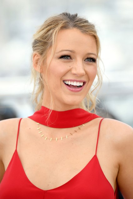Blake-Lively-vogue-11may16-getty_b_426x639