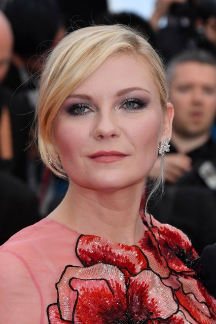 kirsten-dunst-beauty-cannes-12may16-getty_426x639