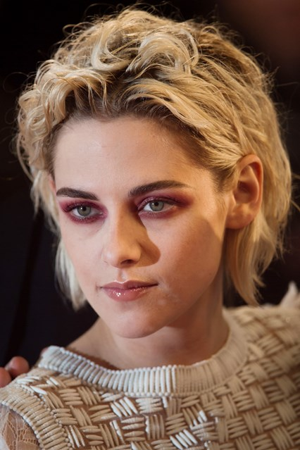 kristen-stewart-vogue-18may16-getty_b_426x639