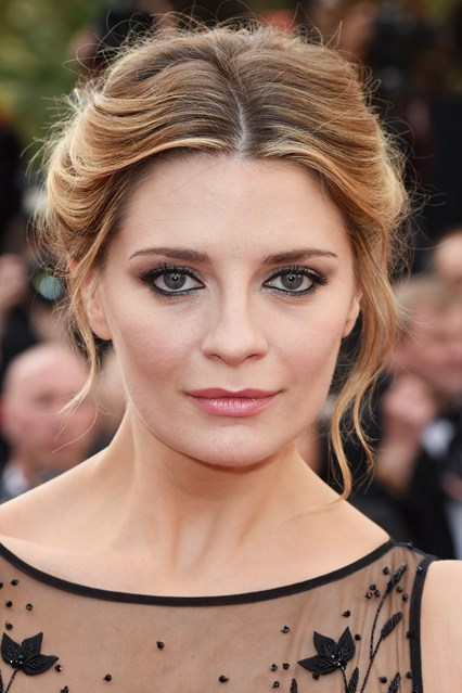 mischa-barton-beauty-vogue-17may16-rex_b_426x639